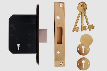 Deadlock Installation by Highbury master locksmith